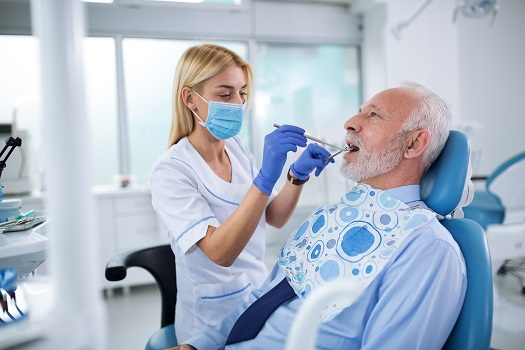 Tips to Help Seniors with Dementia Maintain Oral Health in Edmonton, AB